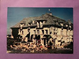 15     SALERS    Hôtel Restaurant Des Remparts  Cliché Albert Monier    Bon état - Autres Communes