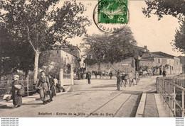 D47  ASTAFFORT  Entrée De La Ville - Porte Du Gers  ( Attelage De Boeufs ) - Astaffort