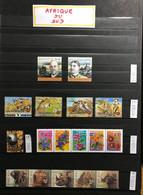 AFRIQUE Du SUD - 1982 / 2001 - Collection -  41 Timbres Et 13 BLOCS - NEUF** / MNH / POSTFRISCH - LUXE - CV 75 EUR - Collections, Lots & Séries