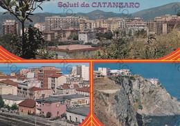 CARTOLINA CATANZARO, REGGIO CALABRIA,.  SPIAGGIA. LETTINI , BARCHE A VELA, SOLE , MARE, ESTATE, VACANZA,  NON VIAGGIATA - Reggio Calabria