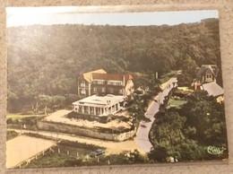 76.VARENGEVILLE SUR MER. Vue Générale Aérienne Sur L'Hôtel De La Terrasse. Carte Dentelée. - Varengeville Sur Mer VAR - Varengeville Sur Mer
