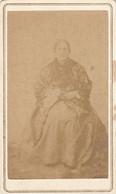 Photo Foto - Formato CDV - Anziana Seduta - Years '1860 - - Anciennes (Av. 1900)