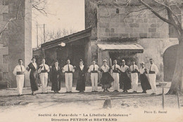 CPA 13 ARLES FARANDOLE LA LIBELLULE ARLESIENNE  DIRECTION PEYRON - Arles