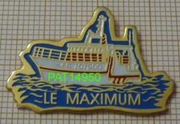 CHALUTIER  LE MAXIMUM  BATEAU De PECHE  Du Port De FECAMP Dpt 76 SEINE MARITIME - Schiffahrt