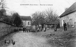 AUBIGNEY (Haute-Saône) - Rue De La Liberté. Circulée En 1907. Très Petit Pli Haut Droit. - Sonstige Gemeinden