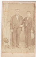 Photo Foto - Formato CDV - Uomo Con Due Nipotini - Years '1860 - Bartolomeo Brusco, Fotografo, Genova - Anciennes (Av. 1900)