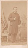 Photo Foto - Formato CDV - Uomo Con Pantaloni A Scacchi - Years '1860 - Giovanni Battista Caorsi, Genova - Anciennes (Av. 1900)