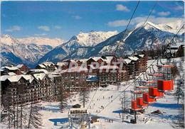 CPM Les Hautes Alpes Risoul Vue Sur La Station Et Les Remontees Mecaniques - Unclassified