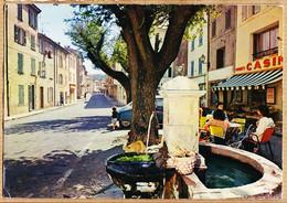 X83068 LA GARDE-FREINET Var Superette CASINO De La Place VIEILLE Fontaine 1980s à DESCHAMPS Alfortville - La Garde Freinet
