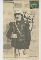 MILITARIA - UNIFORMES - Légionnaire SUISSE FRANÇAIS En Tenue Coloniale D'hiver - Edit. GEISER à ALGER - Uniformi
