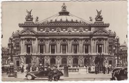 Paris - L'Opéra:  PEUGEOT 402 B LIMOUSINE, Soldat Allemand - (Guerre 1939-1945. Paris Sous L'occupation) - Turismo