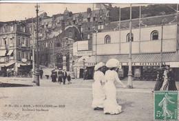 62 BOULOGNE Sur MER Boulevard Sainte Beuve ,façade Café Restaurant ,femmes En Tenue Nouvelle Mode 1909 - Boulogne Sur Mer
