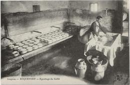 D 12   ROQUEFORT    Egouttage Du Caillé  (Fabrication Du Fromage) - Roquefort