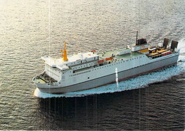 """C P S M Ferries Bateau """" Girolata """" C M N - Traghetti"""