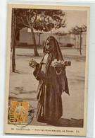 TUNISIE KAIROUAN 92 LL - Petite Marcahande De Roses   Place 1929 Timbrée    /D23-2018 - Tunisia
