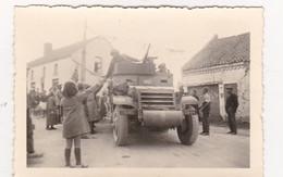 Neufvilles  Guerre 40-45    Arrivée Des Troupes Alliées - War, Military