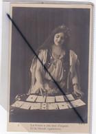 Femme Cartomancienne ; La Brune A Pas Mal D'argent Et La Blonde également (carte Précurseur N° 4) - Frauen