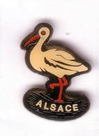 Q356 Pin's BIRD Oiseau Cigogne Stork Alsace Achat Immédiat - Animali