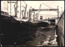 """Fotografia Dos ESTALEIROS NAVAIS De SETUBAL """"SETENAVE"""" Com Barcos Em Doca Seca. Vintage Photo PORTUGAL 24cm X 17.5cm - Boats"""
