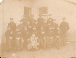 Photographie Ancienne Militaire, Toulon, Officiers Décorés Du 8e Régiment D'infanterie Coloniale, Vers 1894, Noms - Antiche (ante 1900)