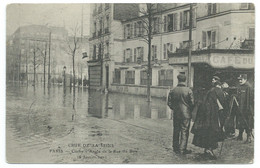 CPA PARIS INONDATION 1910 / CRUE DE LA SEINE / CLICHY ANGLE DE LA RUE DU BOIS / POUR ST JEAN DE LUZ - Paris Flood, 1910