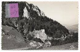 LUS LA CROIX HAUTE - ( Drôme ) - EN MONTANT AU COL DE LUS LA CROIX HAUTE - Autres Communes