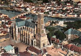 LIMOGES - La Cathédrale Et Le Pont Saint Etienne - Limoges