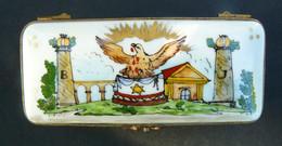Franc-maçonnerie. Boîte à Timbres Porcelaine De Limoges - Stamp Boxes