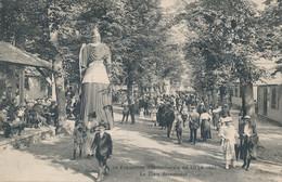 LILLE ELD Exposition De 1920 Géant De Dos La Place Bessonneau Peu Courant  TBE - Lille
