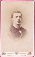 Photo Foto - Formato CDV - Uomo Con Farfallino Nero - Years '1870  - Bertelli Sotteri E Bosco, Successori Montabone - Oud (voor 1900)