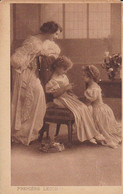 AK Premiere Lecon - Frau Mit Töchtern Beim Stricken - Ca. 1910/20  (53718) - Gruppen Von Kindern Und Familien