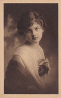 AK Frau In Kleid Mit Blume - Ca. 1910/20  (53720) - Frauen