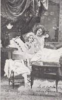 AK La Poupee - Mädchen Mit Puppe - Karte Mit Glitter - 1905 (53734) - Portraits