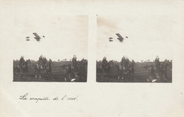 CARTE PHOTO STEREOSCOPIQUE Pilote Robert MARTINET Avion Biplan FARMAN 5/6/1910 CONCOURS AVRILLE ?(Angers) - - Cannes