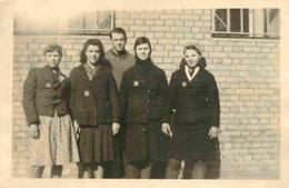 WW2 - Travailleurs De L'est - Ostarbeiter - Femmes Ecusson OST Sur Veste  Photo 8,5 X 5,5 Cm - Oorlog, Militair