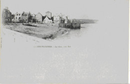 ARROMANCHES - LA CALE, COTE EST - CARTE PRECURSEUR BIEN ANIMEE - DEBUT 1900 - Arromanches