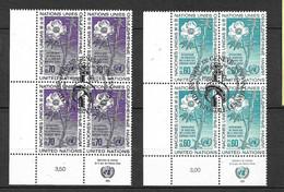 ONU Genève Blocs De 4 Des N°54 Et 55  Oblitérés TB 1er Jour FDC Genève 21/11/1975  Soldé  Les  Moins Chers Du Site ! ! ! - Gebraucht