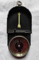 BOUSSOLE EN ALUMINIUM PEINT - 1922 - M G - Equipment