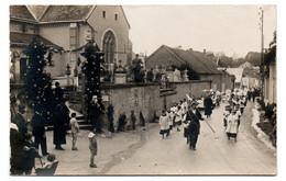 Les Mesneux - Parigny Les Vaux - L'eglise - Carte Photo  - Procession -  RARE - CPA° - Otros Municipios