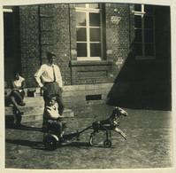 Stéréo Amateur. Givet (Ardennes). Enfant Et Son Tricycle? Jouet. Toy. 1964. - Stereoscopio