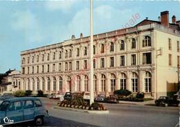 88.  VITTEL .  Hôtel De Ville . - Vittel Contrexeville