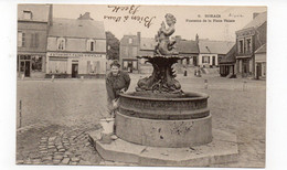 02 - BOHAIN - Fontaine De La Place Thiers - Animée - 1904 (E164) - Otros Municipios