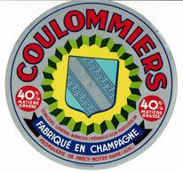 Coulommiers Fabriqué En Champagne - 40% - Fromagerie De Précy Notre Dame (Aube) - Ecusson - Quesos