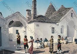 CARTOLINA  ALBEROBELLO, BARI, PUGLIA S.M. 450, IL TRULLO SOVRANO E FOLKLORE, COSTUMI , ANIMATA ,VIAGGIATA 1975 - Bari
