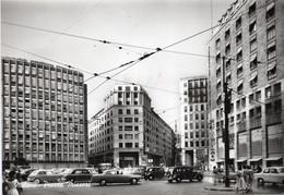 MILANO - PIAZZA MISSORI CON AUTO D'EPOCA - VIAGGIATA 1959 - (rif. A69) - Milano (Milan)