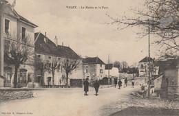 VALAY (Haute-Saône) - La Mairie Et Le Pont. - Other Municipalities