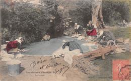 Cpa 1905 LA VIE AUX CHAMPS Au Lavoir Lavandières ▬ Série C Dugas Et Cie (¬‿¬) ♥ - Autres