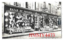 CPSM Dentelées - VILLEDIEU-les-POÊLES 50 Manche - Le Grand Bazar Spécialités De Cuivrerie - Photo Verrier - Villedieu