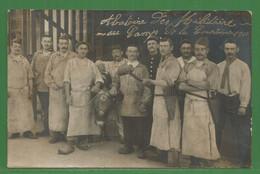 23 - La Courtine - Carte Photo De 1911 Des Bouchers  De La Boucherie Laval - Militaires - Casque Sur Le Bovin - Abattoi - La Courtine