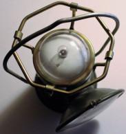 Armée Lanterne Militaire Lampe Modèle U.S. MX-290 Avec Piles Fabricant SMC Années 60-70 - Collections & Sets